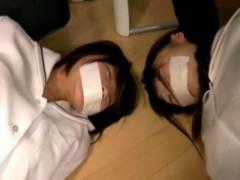朝比奈みくる 葵こはる 見知らぬ男に襲われ拉致監禁された制服JK!友達の前でまんこを凌辱される
