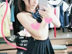 148cmのミニマムスリム軟体敏感ボディAV女優の一条みお、制服姿がエロ可愛い件