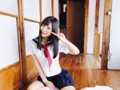 セックスを追及するAV女優・星奈あい、制服を着たらJKにそっくりになる
