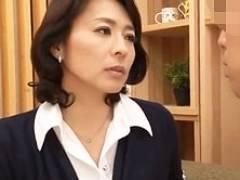 不登校生徒のデカチンを独り占めしようとする四十路女教師 矢部寿恵