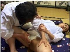 【おっぱい】小沢志乃・旅館の仕事をしているドスケベな叔母!甥の童貞を筆おろしです。