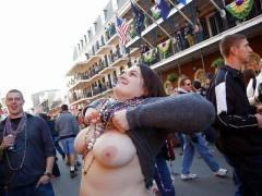 """【天国】ニューオリンズのおっぱい祭り""""マルディグラ""""、ワイこれ見て渡米を決意wwwwwww(画像30枚)"""