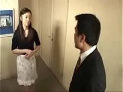 【近新相関無料動画】息子を彼女に取られてしまう不安から近親セックスで息子を寝取ってしまう五十路の母