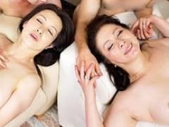 五十路の二組の親子が合わさって母子スワッピング乱交セックス! 暮町ゆうこ 岩崎千鶴