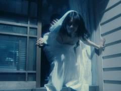 芳根京子のおっぱい丸見えキャプ!ドラマで豪快に胸チラして乳首まで見えそうなエロおっぱいがハミ出しまくりハプニング!