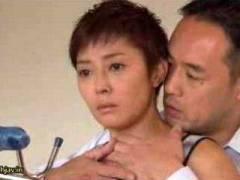 【小松千春】 パスポートの更新忘れたの!俺と離れられないんだろ!