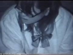 ぽっちゃり眼鏡彼女とビルの隙間で夜間に青姦セックスしてたので盗撮動画