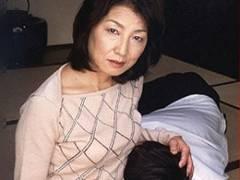 夢精しちゃった息子と五十路母が禁断母子相姦に溺れていく! 石原小百合