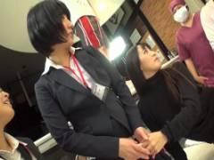 友田彩也香 ペニバンアナルファックに挑戦の入社1年目の女子社員に腰の振り方とオーガズムを体験させちゃう
