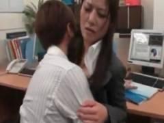 残業していた同僚美男美女の2人が激しくオフィスセックスをしちゃう♡女性向けエロ動画♡