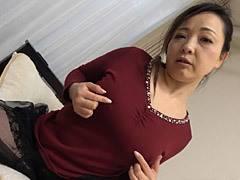 南澤ゆりえ 四十路の巨乳妻がオナニーを披露し、更にハメ撮りでパイズリ~中出しSEX!