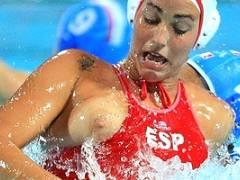 【厳選エロ画像59枚】水球は「おっぱいポロリ」を楽しむスポーツ「こりゃエロすぎて地上波ムリwwww」「水球女子・諏訪部早紀(Gカップ)の乳首も」「水中格闘技だから外人ばっかやん」