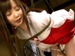 芹沢つむぎ 緊縛SMで調教でされる美少女巫女さん、悶絶股間しごきで腰ガックガク!