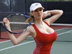 【テニス エロ】 女子テニスの胸チラ、乳首ポッチのエロ画像