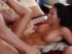 【中出し】美乳 無修正 外国人のセックスは日本人より数十倍は激しい!