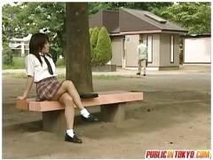 【トイレセックス+ヘンリー塚本】本当に猥褻な淫行バカップル!公衆便所で先生とアウロリJKが熱愛しています。