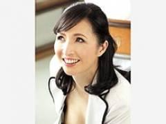 憧れの五十路のマドンナ先生の浮きブラで興奮した生徒が保健室でセックス! 寺林伸子