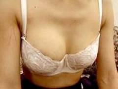 なつみ42歳 子供に吸われた乳房を旦那は吸ってくれない欲求不満妻