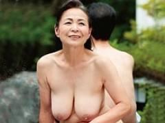 還暦を迎えた熟年夫婦がフルムーン旅行で何年ぶりかのセックスに燃える! 坪井富美