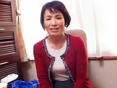 嫁の入院中に来てくれた六十路義母と関係を持ってしまう娘婿 内原美智子