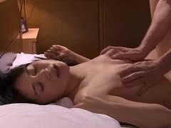 葵千恵 夫の前でアナルを舐められ…くちびるを奪われた妻…