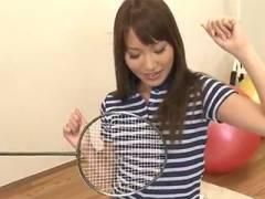 【無修正JK ロリ動画】アスリート系の女の子が変態の顧問にラケットで体を弄られ感じちゃう