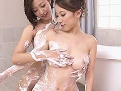 篠田ゆう 水野朝陽 巨乳のライバルソープ嬢達がレズバトル!洗体プレイ後にマットの上で百合セックスw