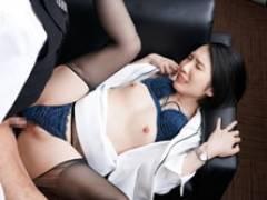 社長秘書室で働く美人妻が社長の汗と濃厚接吻セックスで中出しされる 舞原聖