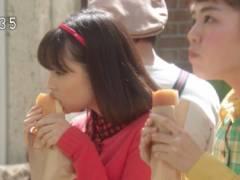 広瀬すずのエロい擬似フェラチオ食べ顔キャプ!