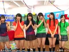 【美少女+ハーレム】これは危険な女子校の学校祭!サービスやりすぎて手コキしてしまいます【姫川ゆうな+心花ゆら+なつめ愛莉+月本愛】