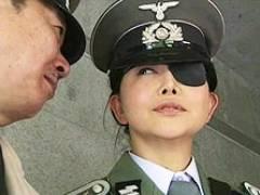 【ヘンリー塚本】女兵士が捕虜のマラを借りて性欲処理! 浅井舞香 澤村レイコ
