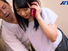 桐谷なお 旦那と電話してる最中に浮気相手から身体を弄られて一生懸命声を我慢する淫乱妻