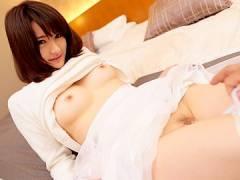 【ロリ】控えめだけど色白で美乳なおっぱいで一生懸命パイズリ奉仕!きみかわ結衣
