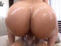 村上涼子 豊満な身体の人妻が近所の男たちと汗だくになりながらデカ尻堪能セックス