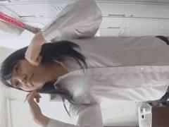 エロNGの撮影モデルさんが更衣室で着替えてる姿を隠しカメラで真正面から撮ってる映像を入手!