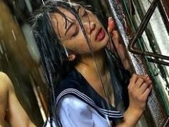 【辻本杏】 大雨の中、知らない男にレ●プされてしまう女子校生