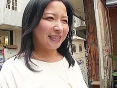 倉本雪音 塚田由美 四十路熟女とイチャラブデート!ホテルで人妻まんこにちんぽをぶち込む!