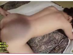 【凰かなめ】なんと背徳的な可愛いロリータ美少女とプライベートにセックスしています!バックからチンポコを挿入してしまいます。