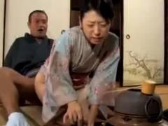【素人】そのまま続けて!お茶の先生に中出しされちゃう人妻♪