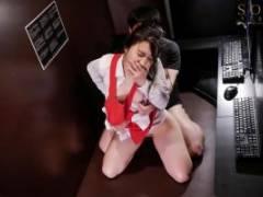 古川いおり 突然のレイプで声の出せないまま何度も犯されても快感痙攣で何度も絶頂する漫喫のお姉さん