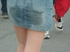 【画像あり】お腹を壊した女さん、着衣スカトロっていうプレイで興奮するwwwww