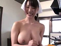 癒し系の巨乳な全裸家政婦!ムニムニ最高の体を存分に味わいSEX!!!