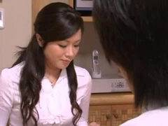 【拘束】デカ尻な美熟女がドS息子にアナルを開発されてる動画を発見
