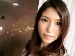 水嶋杏樹 27歳 会計士 整った顔立ち、Fカップ美乳、スレンダーなスタイルと、本当に驚くばかりの端麗さ