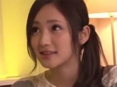 【ロリ動画】スレンダーで超可愛い桃谷エリカちゃんが笑顔でご奉仕フェラ♪
