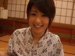 【川上奈々美】親に内緒のお泊り旅行で同級生とラブラブセックス