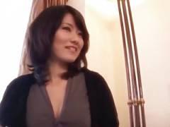 【動画】3年もSEXレスのアラサー女医が妖艶でエロい!