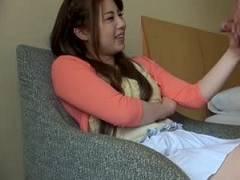 【一ノ瀬麗花】センズリを知らない女子大生のセンズリ鑑賞アルバイト!勃起を見せ付けられた女は本能で濡れる