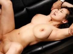 2穴セックスの強烈な快楽にアナルをヒクつらせて堕ちる巨乳美女【澁谷果歩】