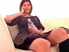 麻美ゆま インタビュー中に即ハメされてびっくりしながら段々感じちゃう巨乳お姉さんのマジイキ顔